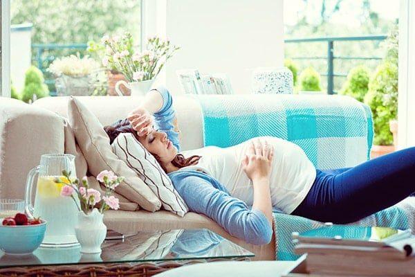 Dormir sur le dos en fin de grossesse est dangereux pour le nouveau-né